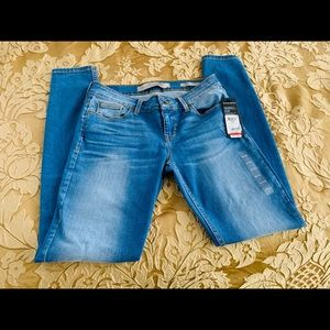 Guess Power Skinny Low Rise Jeans Size 28 Juniors